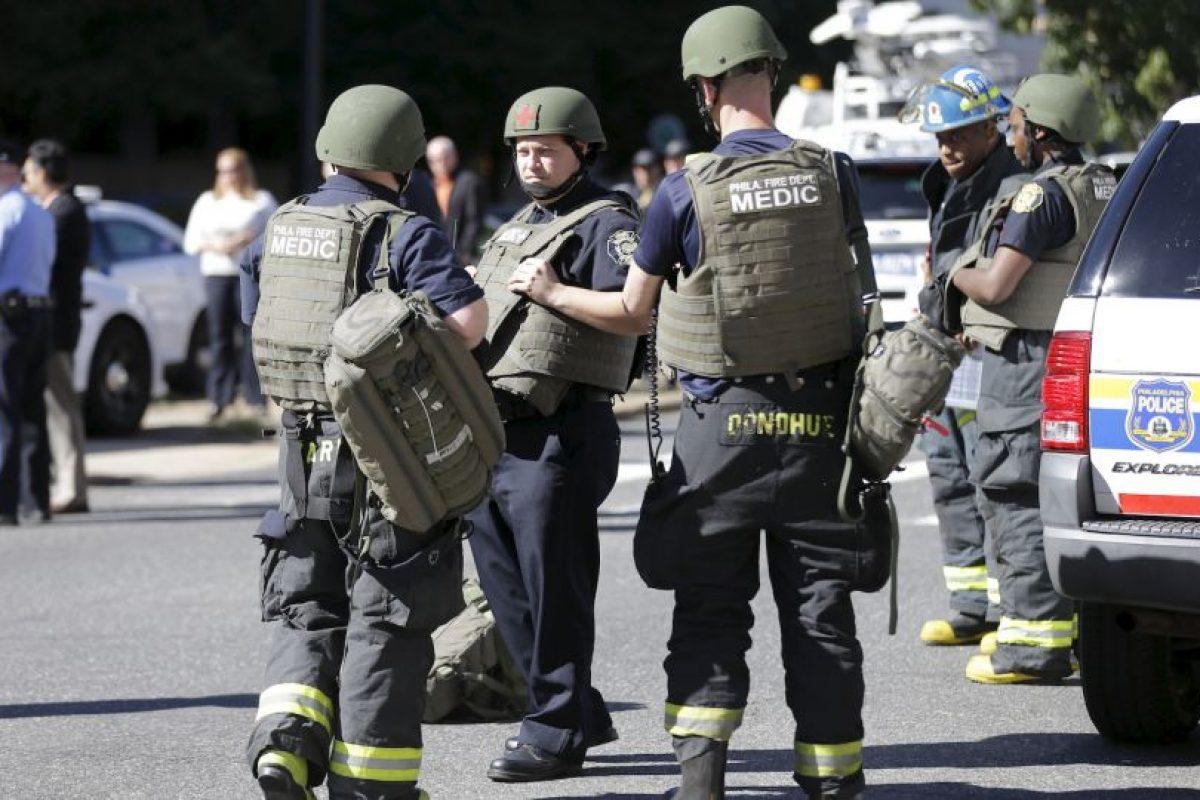 Equipos especiales de seguridad llegaron a la zona Foto:AP