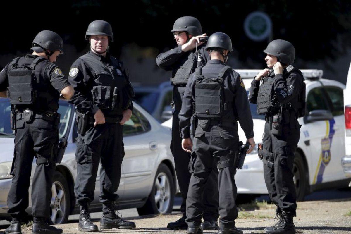 Las autoridades dieron a conocer como estaba vestido el sospechoso. Foto:AP