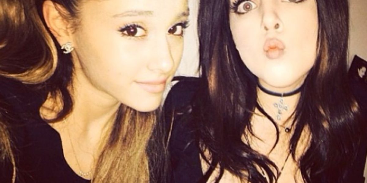 VIDEO. Así fue el beso en la boca que Ariana Grande le dio a esta actriz
