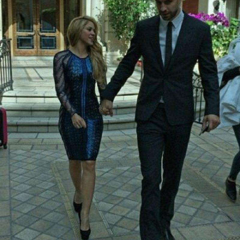 El defensa del Barça le dijo a Shakira que si España quedaba campeón del mundo en Sudáfrica, la invitaría a una cena romántica… ¡Y cumplió! Foto:Vía instagram.com/shakira