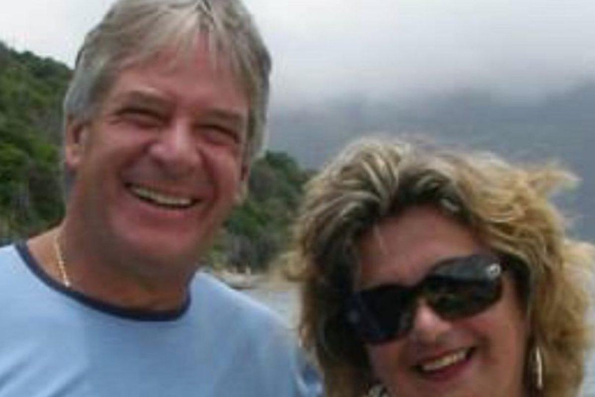 Acompañada de su marido Francisco Murmura fueron a dar a la entrada de una favela en Rio de Janeiro Foto:Vía facebook.com/regina.murmura