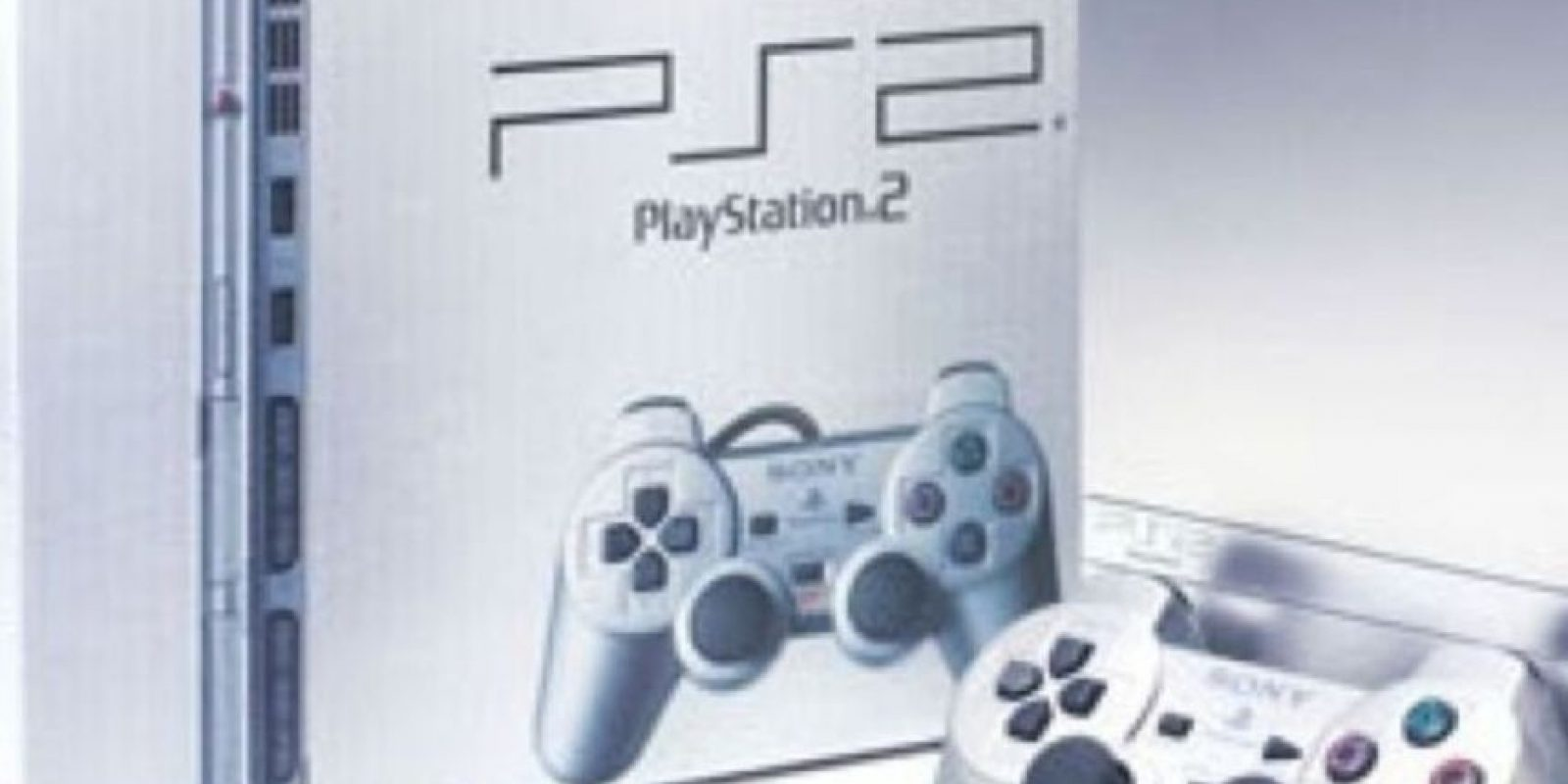 PlayStation 2 Slim plateado. Foto: Sony