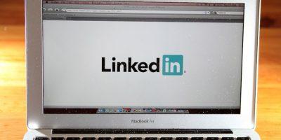 1.- Cuando vayan a actualizar su perfil de LinkedIn asegúrense de ir al control de privacidad y apagar las actualizaciones. Con esto sus contactos no recibirán una notificación por cada cambio que le hagas a tu perfil Foto:Getty Images