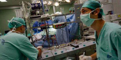 Sus médicos decidieron realizarle una cirugía para remediarlo. Foto:Getty Images