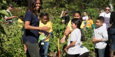 El huerto fue creado desde 2009 y ahora forma parte de su campaña 'Let's Move', con la que se busca prevenir la obesidad infantil. Foto:AP