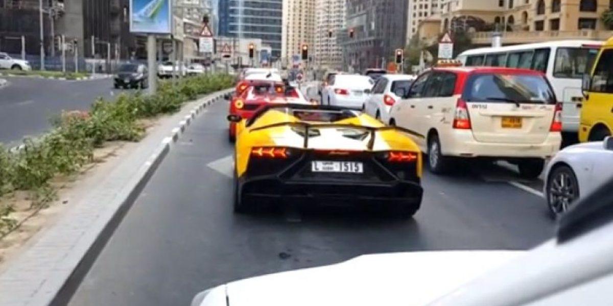 Video: Quiso lucirse en su Lamborghini y terminó inciendiándolo