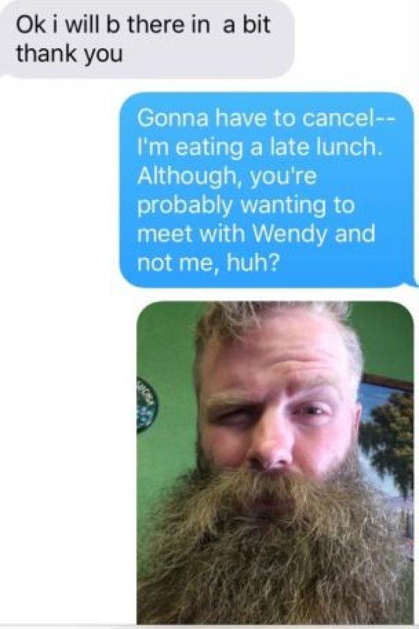 """Hasta que le dijo: """"Tienes que cancelar. Probablemente quieras verte con """"Wendy"""" y no conmigo. Llámame Wendy Barbuda"""" Foto:vía Imgur"""