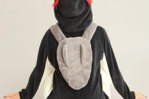 """Modelo """"Pen"""", el pingüino mascota de la comandante de NERV Misato Katsuragi. Foto:Peach John"""