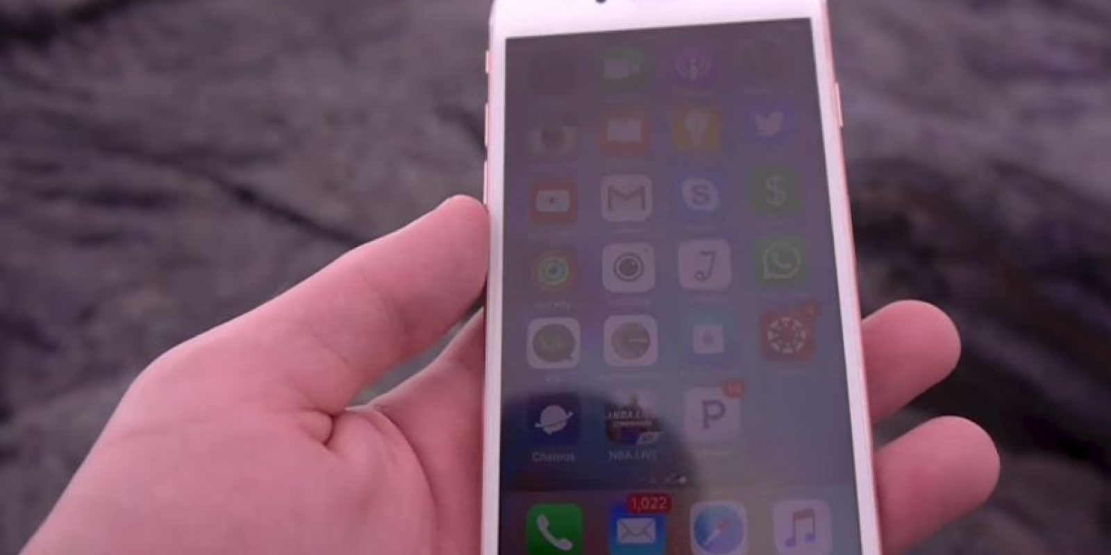 Un iPhone 6s completamente nuevo Foto: YouTube/TechRax