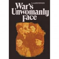 """""""La Guerra no tiene rostro femenino"""" de 1983, fue su primer libro Foto:Amazon.com"""