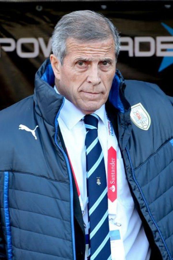 Antes dirigió a Uruguay de 1988 a 1990, y a clubes como Boca Juniors, Peñarol, y Deportivo Cali. En Europa estuvo al frente del Cagliari, Milán y Real Oviedo. Foto:Getty Images