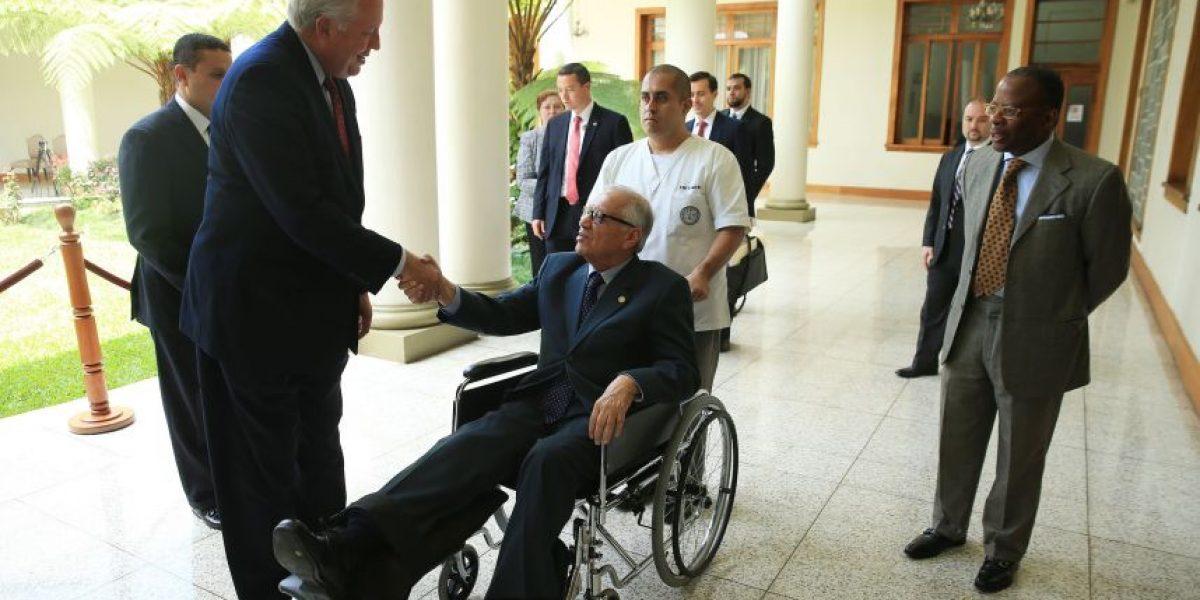 En 8 días, presidente Alejandro Maldonado podría dejar la silla de ruedas