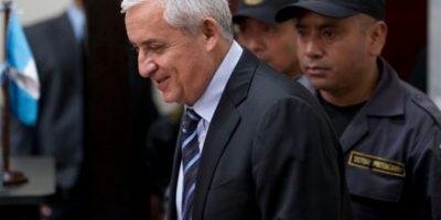 Presidios autoriza televisor, calentador y computadora para expresidente Otto Pérez