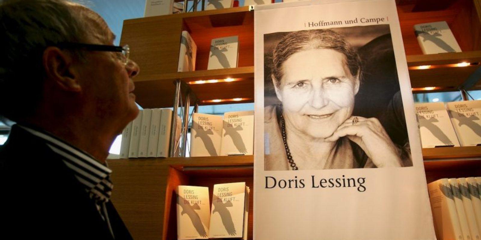 """Se le reconoció por ser la """"escritora de poesía épica, que con escepticismo, pasión y poder visionario ha sometido una civilización dividida al escrutinio"""" Foto:Getty Images"""