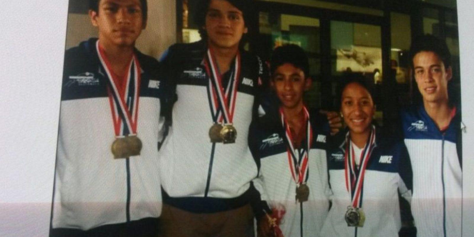 Parte de las pertenencias del seleccionado de squash fueron encontradas por los rescatistas. Foto:Asociación Nacional de Squash