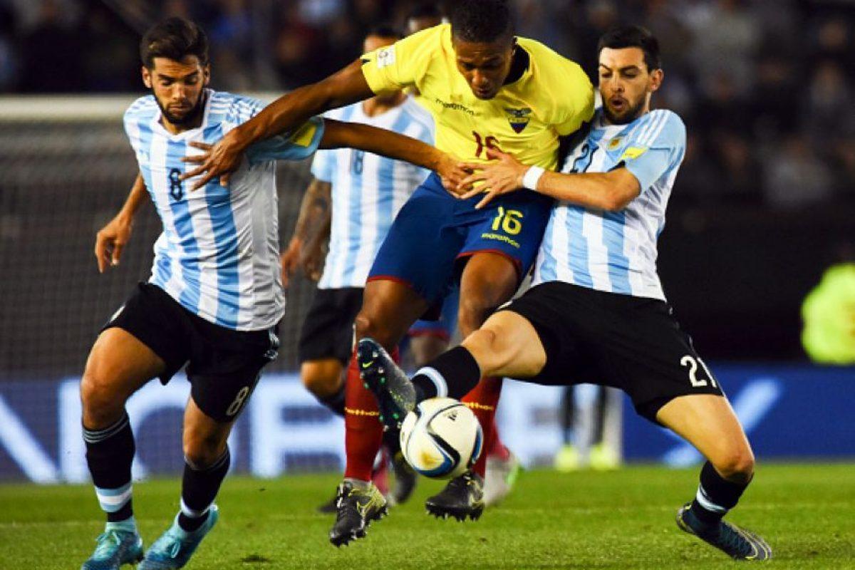 Fue la figura en la gran victoria de Ecuador sobre Argentina. Todo el partido tuvo un gran ímpetu y desequilibró en todo momento dejando parados a los laterales argentinos. Foto:Getty Images