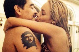 A pesar de diversos rumores que apuntaban a que la relación entre ambos había finalizado, Maradona anunció que en el próximo mes de diciembre se casará con Oliva en Roma, Italia. F Foto:Vía twitter.com/rogeraldineoliv