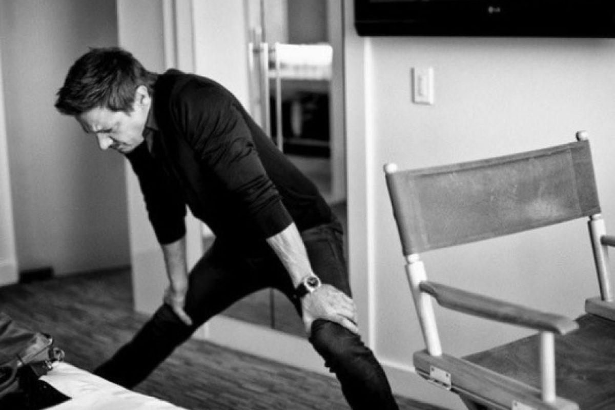 Pero en la vida real, el actor necesita varios minutos de estiramientos para realizar sus tareas cotidianas Foto:vía twitter.com/renner4real