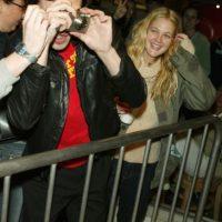 """Mientras disfrutaban de la ópera, la actriz y el guitarrista de """"The Strokes"""" prefirieron huír al baño y tener un momento de diversión. Foto:Getty Images"""