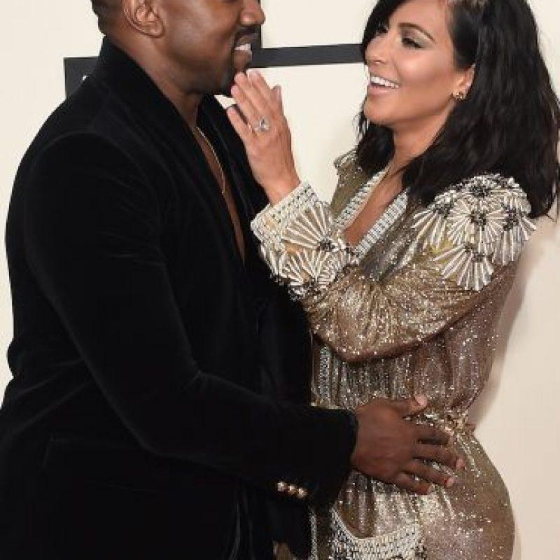 """Los West pasaron momentos íntimos en la premiación de la revista """"GQ"""" de 2014. Foto:Getty Images"""