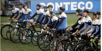 Este equipo de futbol cambió el balón por la bicicleta