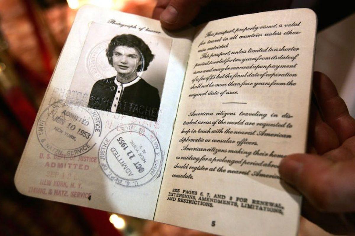 En el Reino Unido, la reina no necesita tener pasaporte Foto:Getty Images