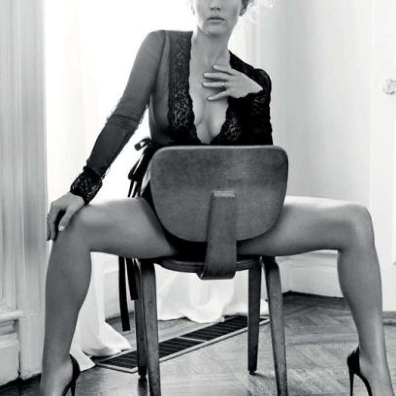 Incluso llegaron a hacerle Photoshop. Pero a sus cuarenta años, la madurez la ha convertido en otra persona. Foto:vía Esquire