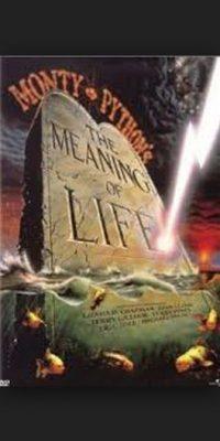 Con sus formas irreverentes de siempre, los Monty Python exploran sin filtro las distintas facetas de la vida Foto:Universal Pictures
