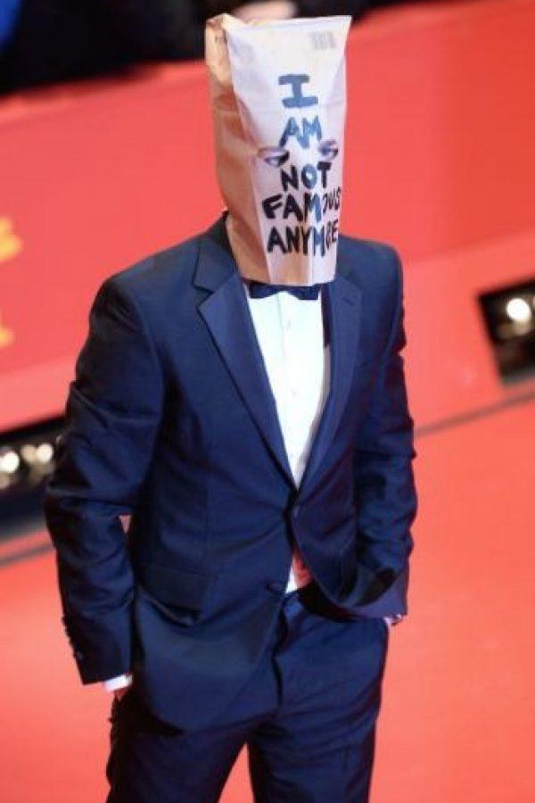"""En junio de 2014, el actor causó disturbios en el primer acto del musical """"Cabaret"""", cuando la polícía lo arrestó, LaBeouf siguió actuando irracionalmente y gritando obscenidades. Foto:Getty Images"""