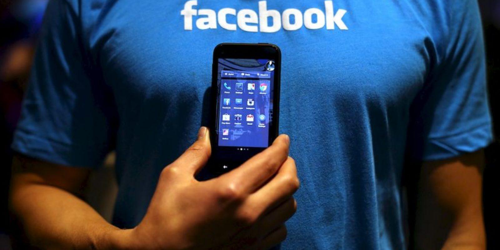 """9.- Siempre están en línea. Ni siquiera en el baño dejan de revisar su """"inbox"""" Foto:Getty Images"""
