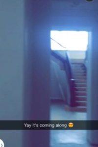 """Se encuentra en la exclusiva zona residencial """"The Oaks"""" en Calabasas. Foto:vía Snapchat"""