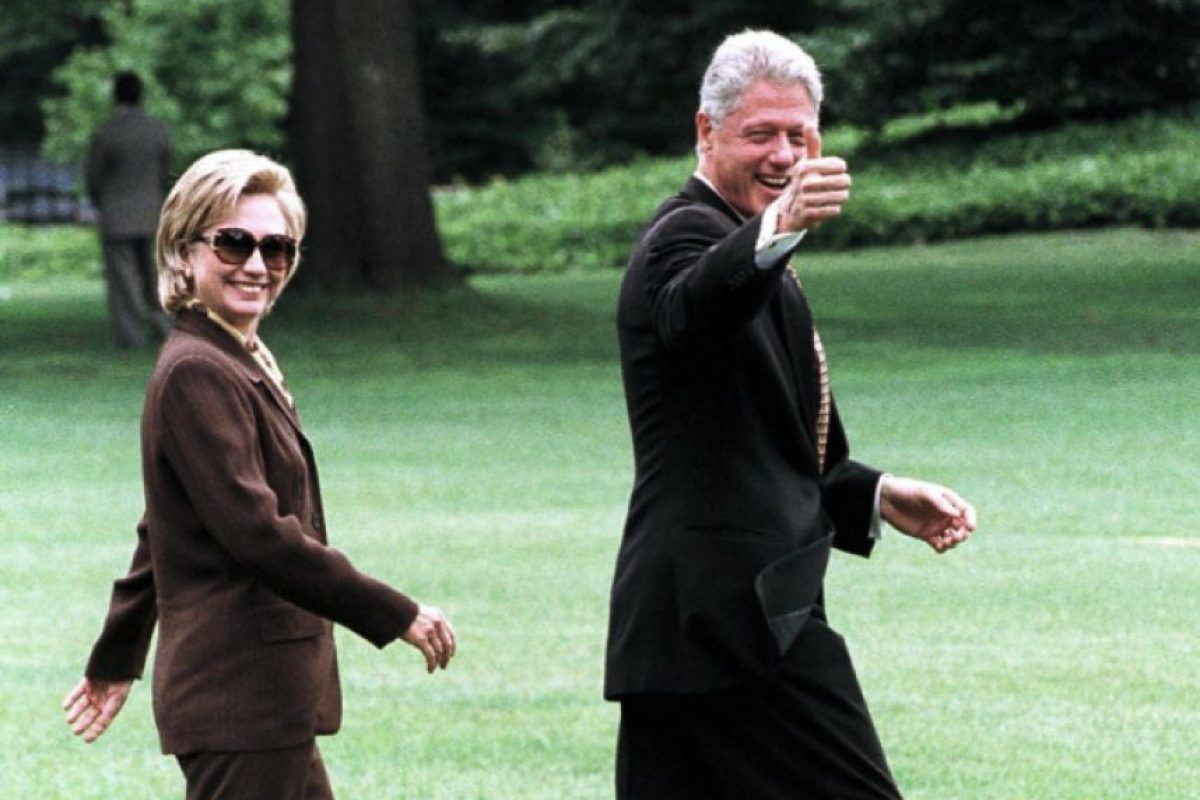Julio 31 de 1998. Bill saluda a la cámara de camino al Marine One. Foto: Getty Images