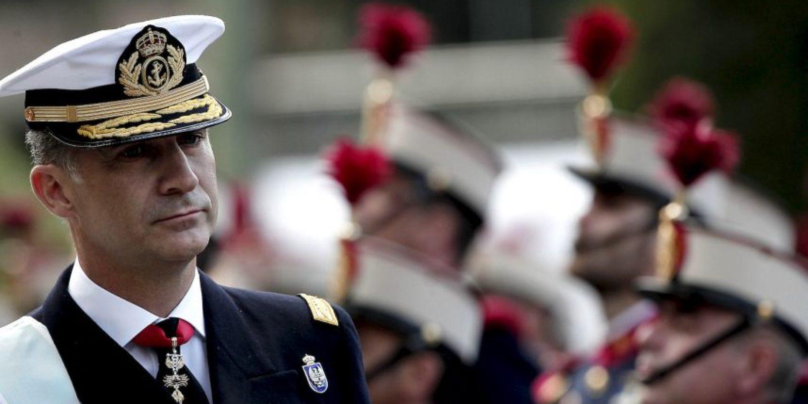 En el desfile militar participó el Rey Felipe VI, la Reina Letizia, así como sus hijas la princesa Leonor y la infanta Soífa. Foto:AFP