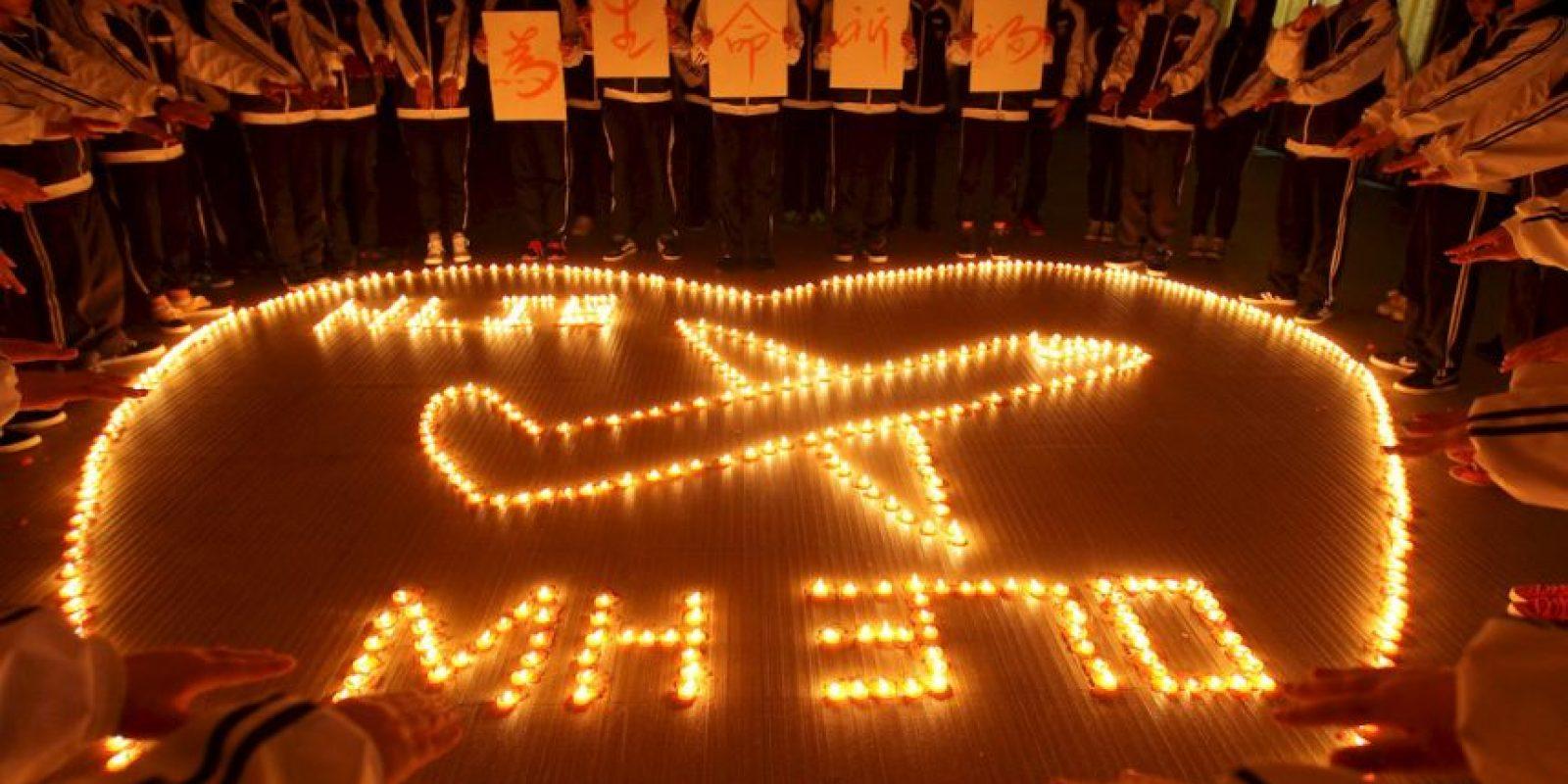 El 8 de marzo de 2014, el vuelo MH370 de la aerolínea Malaysia Arilines desapareció cuando viajaba de Kuala Lumpur, en Malasia, hacia Beijing, en China. En su interior viajaban 239 personas: 227 pasajeros y 12 integrantes de la tripulación. Foto:Getty Images