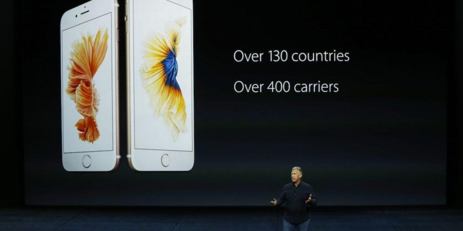 Para quienes desean un smartphone que pueda caber perfectamente en su bolsillo está el iPhone de 6s de 4.7 pulgadas, pero si lo quieren para leer documentos, ver películas o jugar cómodamente está el iPhone 6s Plus de 5.5 pulgadas. Foto:Getty Images
