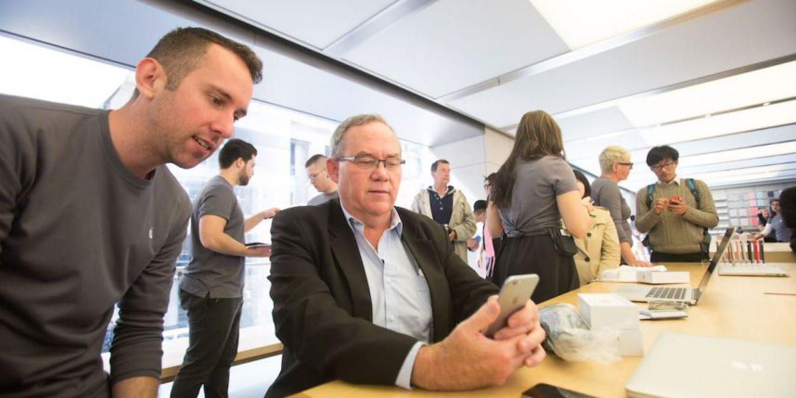 Aunque no es una opción específica del dispositivo, Apple tiene un plan de financiamiento en el que cada mes los usuarios deben pagar determinada cantidad para que después de dos años, obtengan un nuevo iPhone. El costo depende del modelo que deseen obtener. Foto:Getty Images