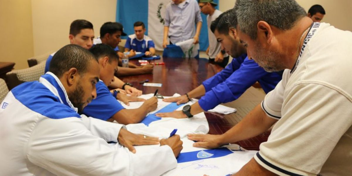 VIDEO. Selección Nacional acapara la atención de aficionados en Los Ángeles