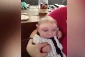 Brandon y Brittany Buell fueron informados durante el embarazo que su bebe tenía una malformación cerebral extrema y los médicos les aconsejaron el aborto. Foto:Vía Youtube