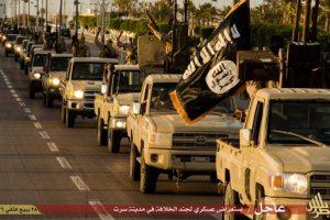 Los integrantes, quienes tienen barba y portaban una bandera negra, fueron acusados de ser terroristas Foto:AFP