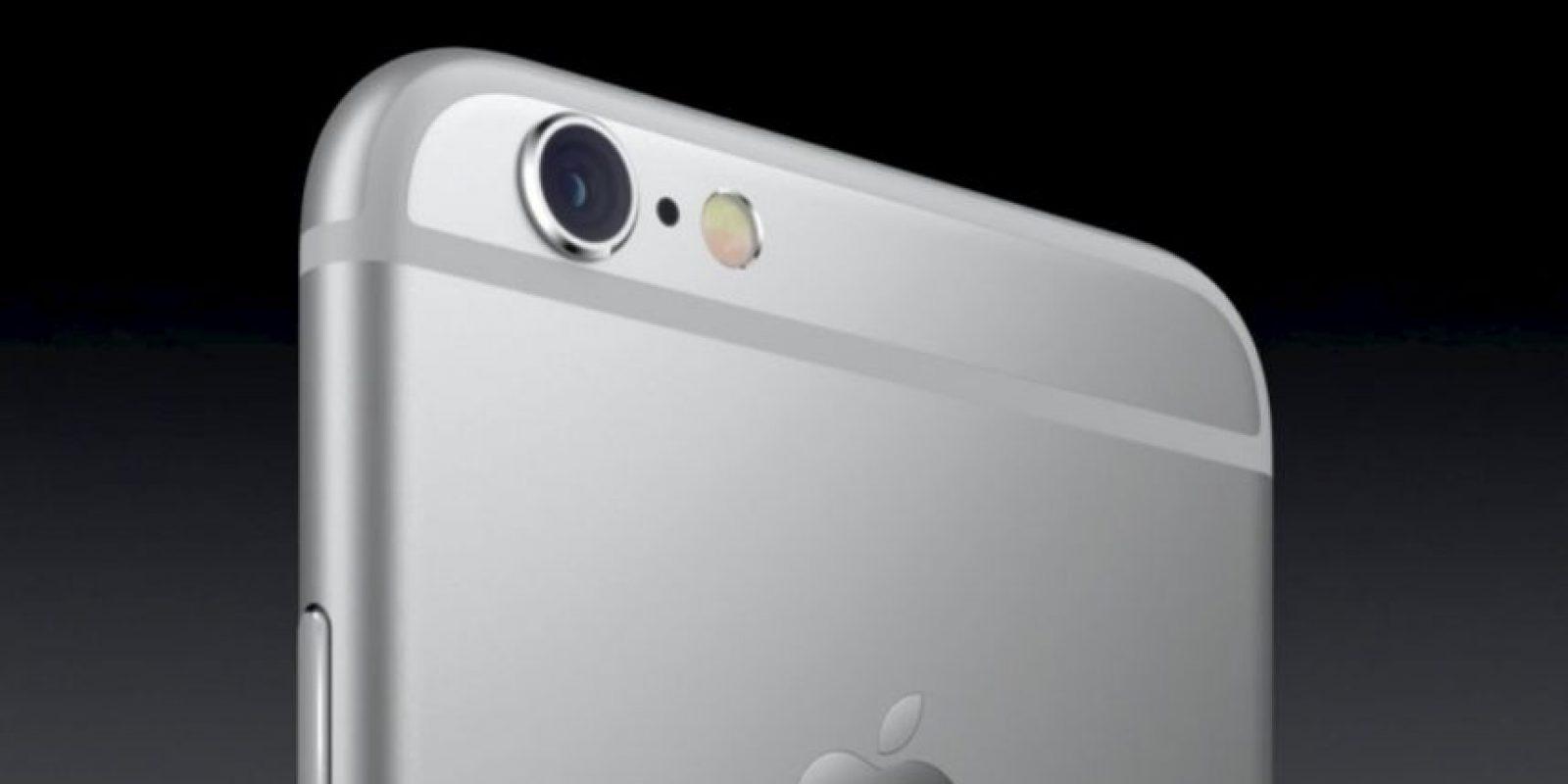 La cámara posterior es de 12 megapíxeles, mientras que la frontal es de 5 megapíxeles. Foto:Apple