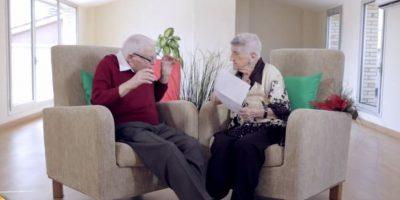VIDEO. El amor no tiene edad y esta cita a ciegas entre ancianos lo demostró