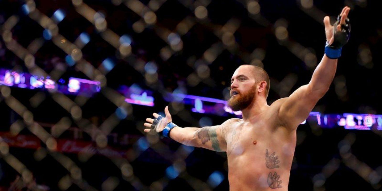 Se trata de Travis Browne, también peleador de artes marciales mixtas. Foto:Getty Images