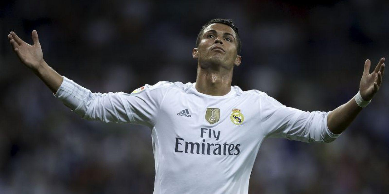 Las ventas de sus camisetas aumentaron un 108% luego de que ganara el Balón de Oro 2015. Además, en la primera mitad del año, el portugués se cansó de imponer y romper récords goleadores. Foto:Getty Images