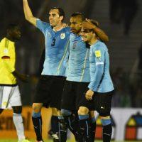 """Es la fortaleza de Uruguay en la defensa. Ordenó a su equipo desde atrás, no dejó a los delanteros colombianos acomodarse en su área y marcó el primer gol del triunfo 3-0 en el """"Centenario"""". Foto:Getty Images"""