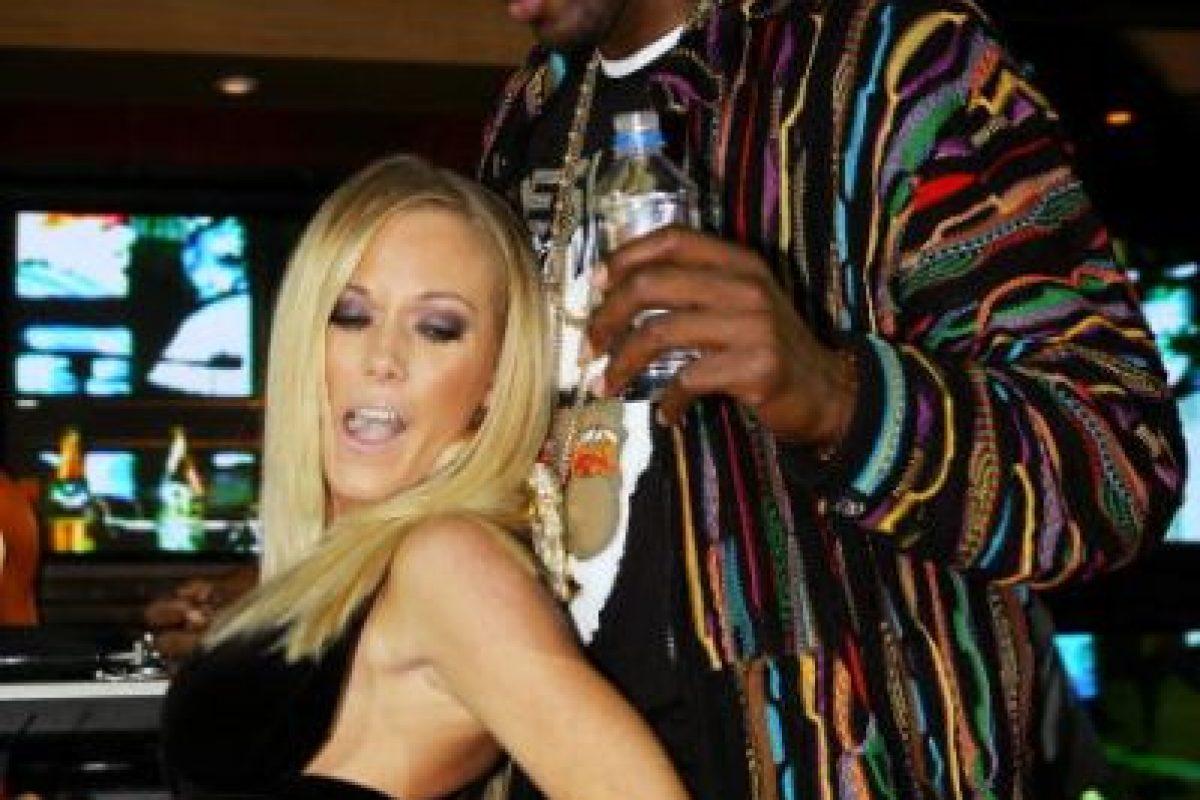 En noviembre de 2013 se filtró un video en el que aparece Odom fumando marihuana e intentando rapear con un amigo. Foto:Getty Images