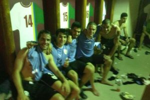 El delantero no forma parte del combinado uruguayo desde junio de 2014. Foto:Vía twitter.com/LuisSuarez9