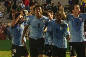 Uruguay sacó un valioso triunfo en casa ante Colombia. Foto:Vía twitter.com/uruguay