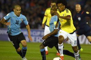 En coordinación con el volante Carlos Sánchez, dominó todo el partido ante Colombia la banda izquierda de la cancha y además de estar bien parado defensivamente, colaboró en el ataque. Foto:AFP