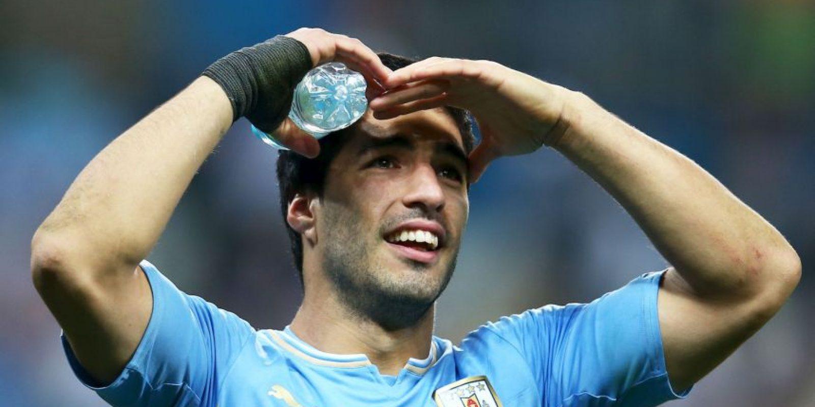 """""""Lucho"""" fue sancionado por la FIFA por esta acción antideportiva. Foto:Getty Images"""