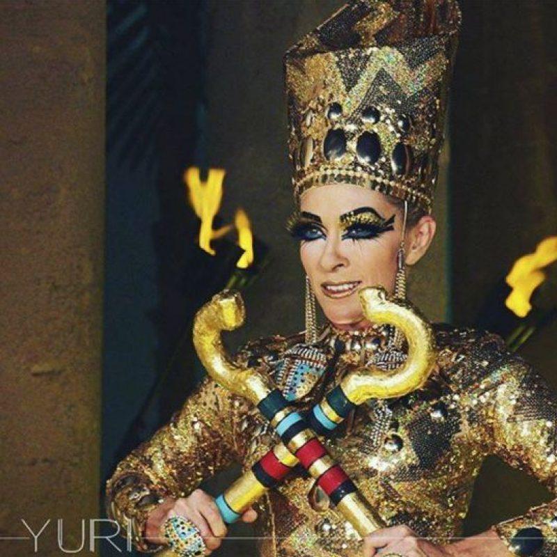 Tal cual, de faraona egipcia. Foto:vía Facebook/Yuri
